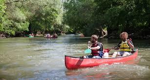 Pratiquer le canoë sur le ried