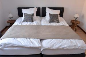 Chambre 01 - 2 lits simples de 100×200 cm