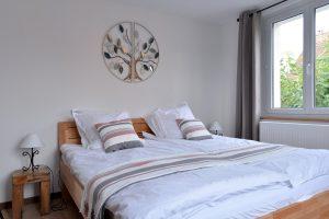 Chambre 02 - lit double de 180×200 cm