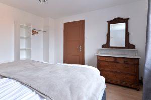 Chambre 01 - 2 lits simples de 100×200 cm - 03